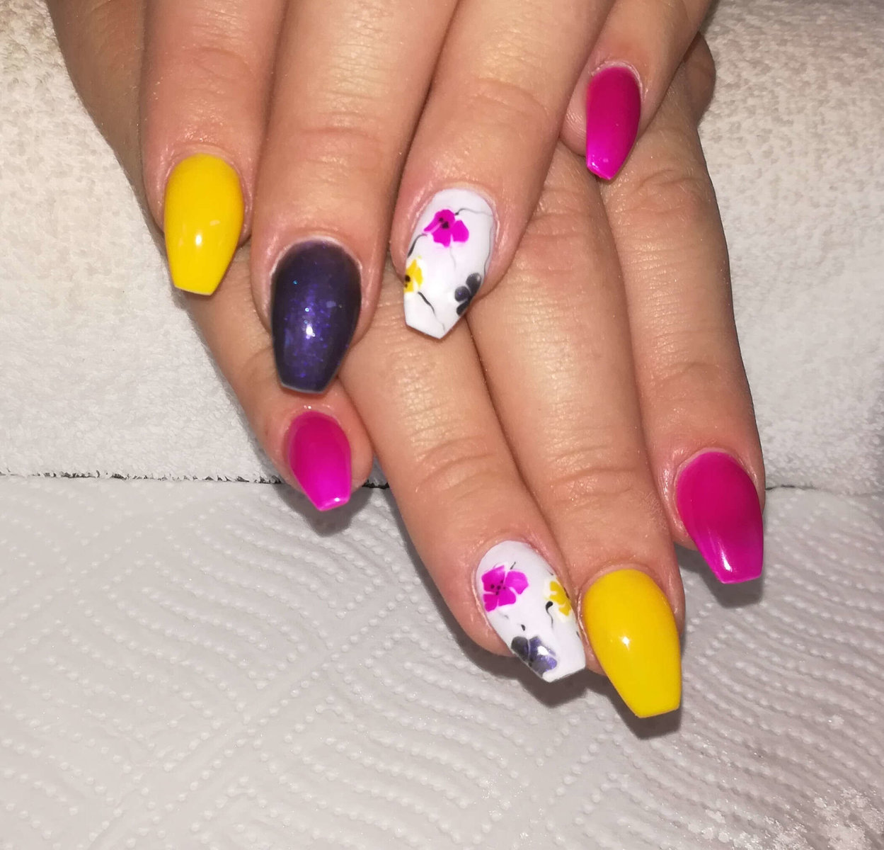 buntes Naildesign von Melinda's Nails
